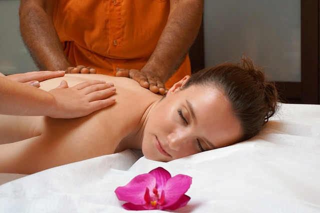Rejuvenate Yourself with an Ayurveda Massage